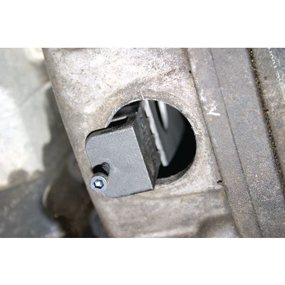 DURAMAX FLYWHEEL HOLDER AND SOCKET | Matco Tools